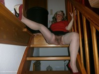 Fingering On The Stairs
