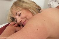 Speedy Bee Massage Pt2