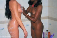 Foxielady - Girly Shower Fun with Gorgie